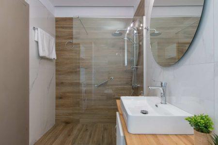 Bathroom Myrtia 2